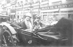 King Alfonso XIII of Spain and his British-born wife, Queen Victoria Eugenia, parade through the streets of La Coruña in 1927. It was their last official visit to the city. (Photo courtesy of La Opinión).