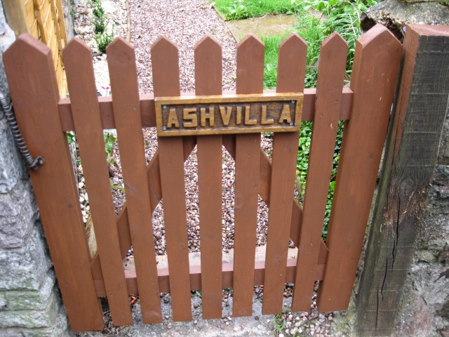 The front gate at Ash Villa.
